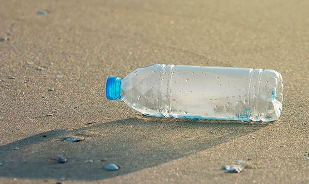 Salvemos los Mares de las botellas de plástico